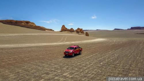Road to Salar de Tara