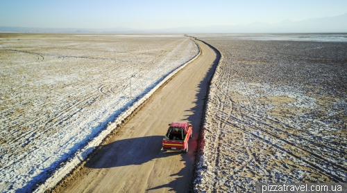 Road to Eyes of the Salt Pan (Ojos del Salar)