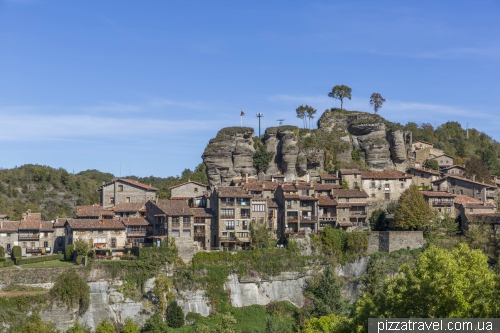 The town of Rupit and the Salt de Sallent waterfall