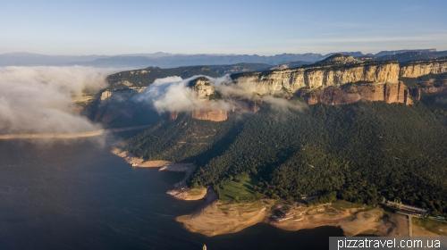 Tavertet cliffs and sunken village of San Roma de Sau