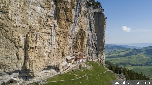 Гора Эбенальп и гостевой дом Эшер (Aescher-Wildkirchli)