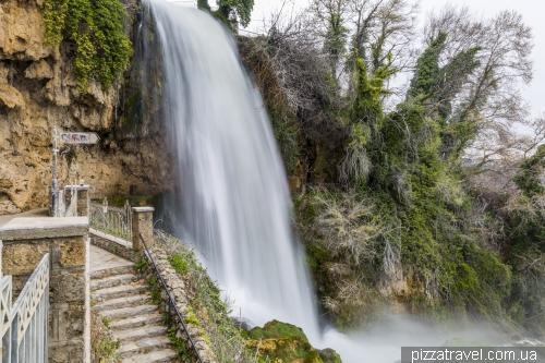 Водопады в Эдессе