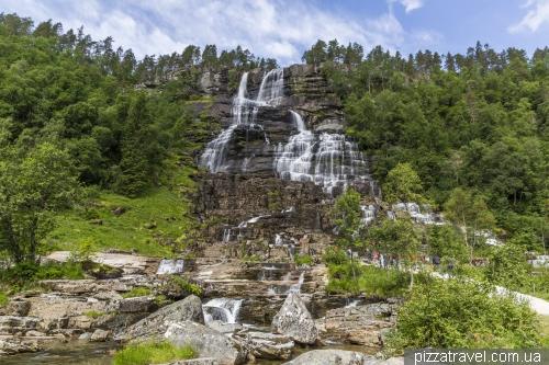 Tvindefossen Waterfall
