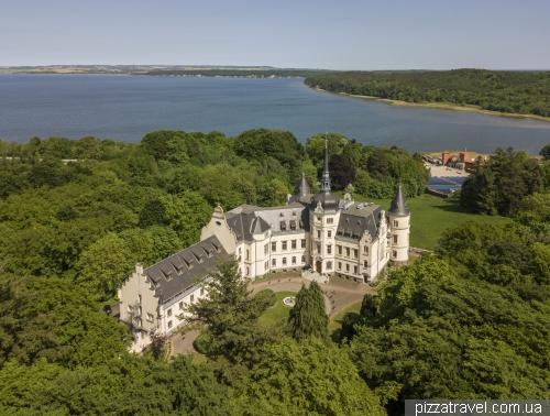Дворец Ральсвик (Schloss Ralswiek)