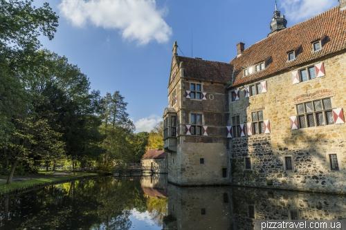 Замок Вішерінг (Wasserburg Vischering)