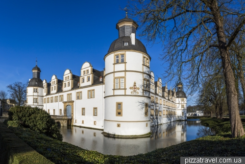 Замок Нойхаус в Падерборне