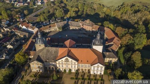 Замок Хундісбург (Schloss Hundisburg)