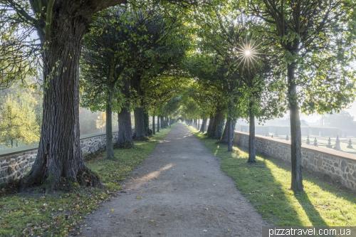 Парк замка Хундісбург (Schloss Hundisburg)