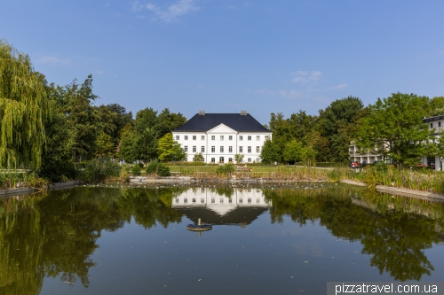 Castle Gross Schwansee