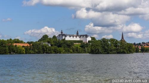 Замок Пльон