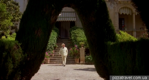 Poirot at Raixa Estate