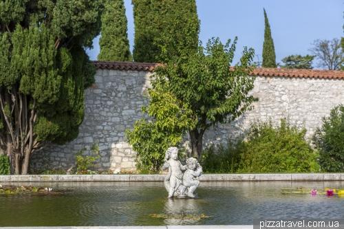 Замок Дуино