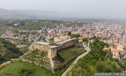 Норманнский замок в Козенце