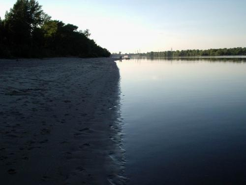 Kaniv beaches