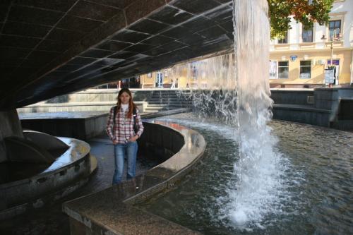 Очень интересный фонтан в центре города