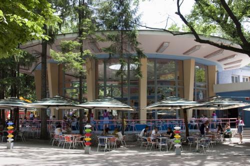 Children's cafe in the Shevchenko Park