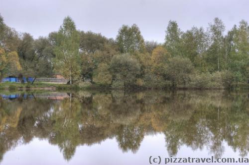 На территории заповедника нет озер, но есть два искусственных пруда.