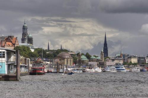 Вид на Гамбург от рыбного рынка