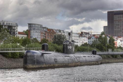 Советская подводная лодка-музей Б-515 в Гамбурге