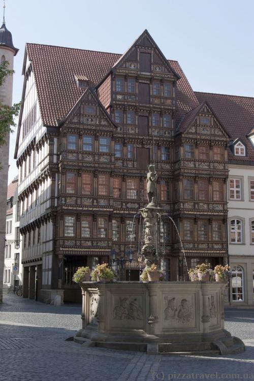 Дом Ведекинда (Wedekindhaus) на Рыночной площади