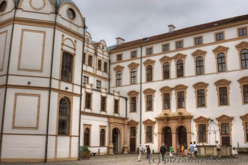 Celle Castle courtyard