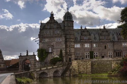 Замок Хэмельшенбург