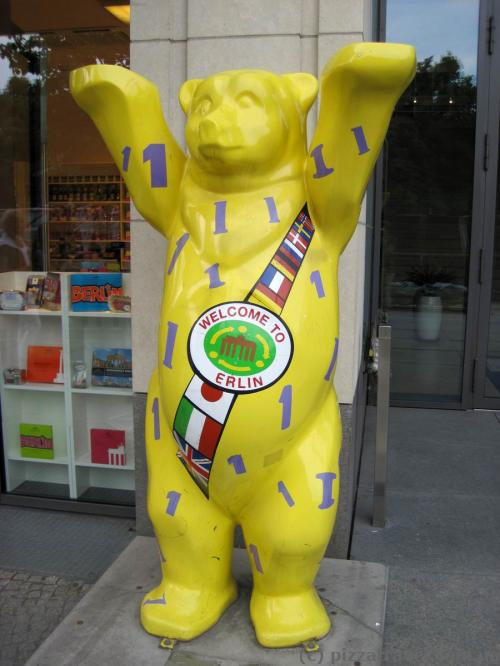 Медведь Бадди в Берлине
