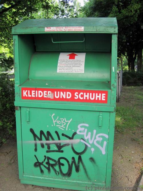 Сміттєвий бак для одягу та взуття в Берліні