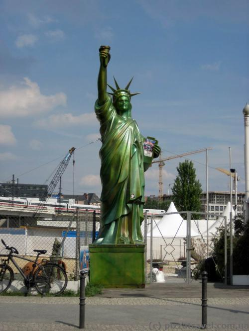 Statue of Liberty near the railway station in Berlin