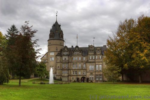 Замок у Детмольді
