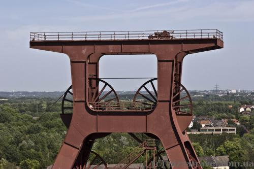 Symbol of Essen, lift of mine #12