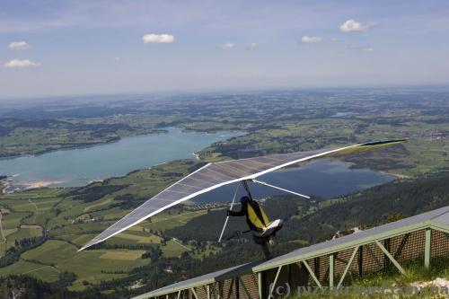 Hang-gliders on Mount Tegelberg