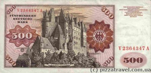 Eltz Castle was depicted on the banknote of 500 Deutsche marks.