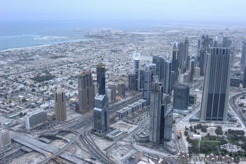 Вид на шоссе Шейха Заеда и финансовый центр