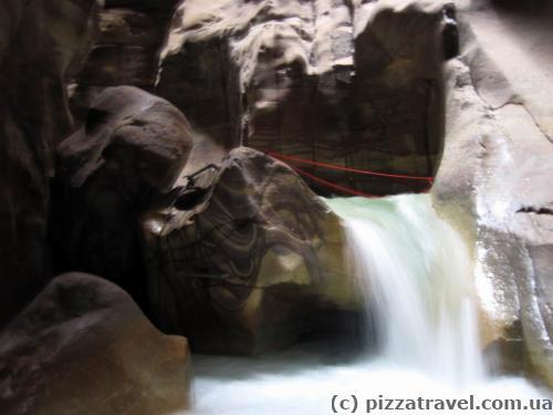 Препятствия в каньоне Муджиб