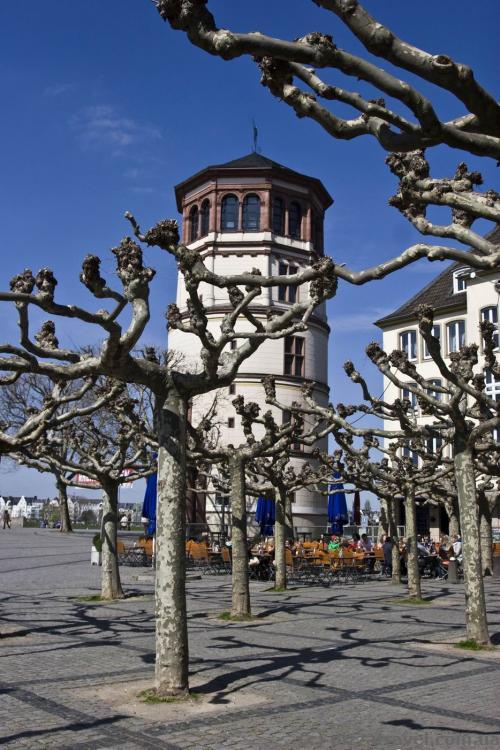 Замковая башня в Дюссельдорфе