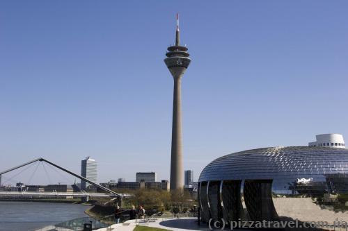 Рейнская башня в Дюссельдорфе