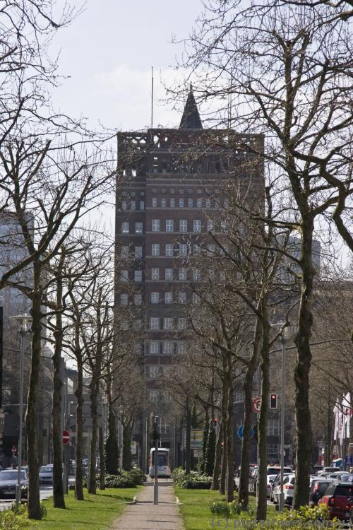 First tower office building in Duesseldorf, Wilhelm-Marx-Haus (1922-1924)