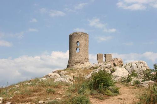 Развалины крепости Чембало