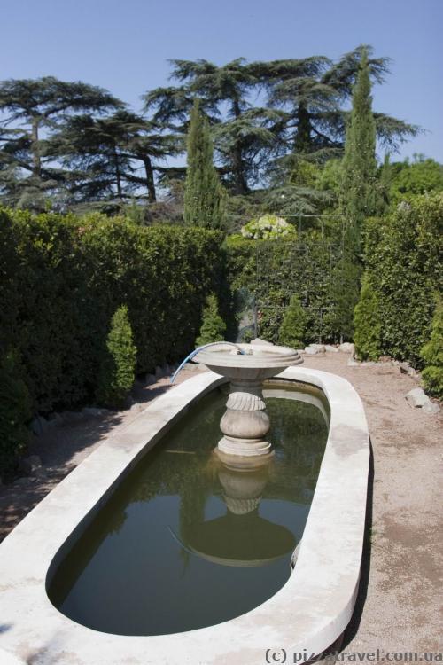 Центральный фонтан в лабиринте