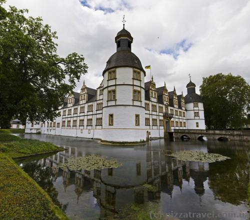Замок Нойхаус