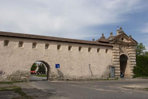 Замковая стена