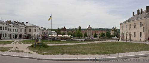 Veche Square, center of Zhovkva