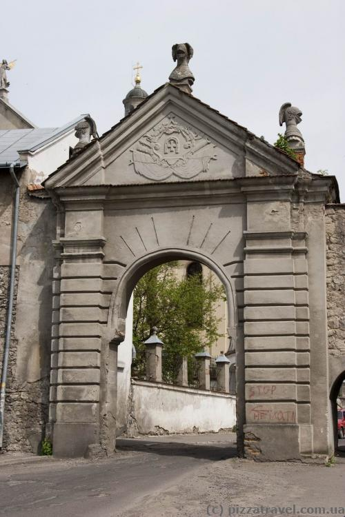 Glinsky gate
