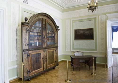 The oldest bookcase in Ukraine