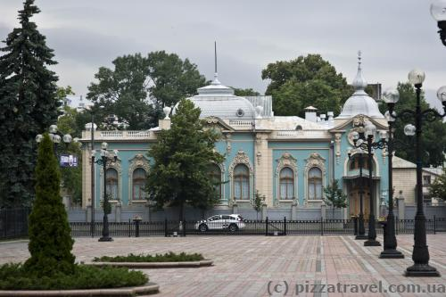 Памятник архитектуры - особняк Полякова (начало 20 века)